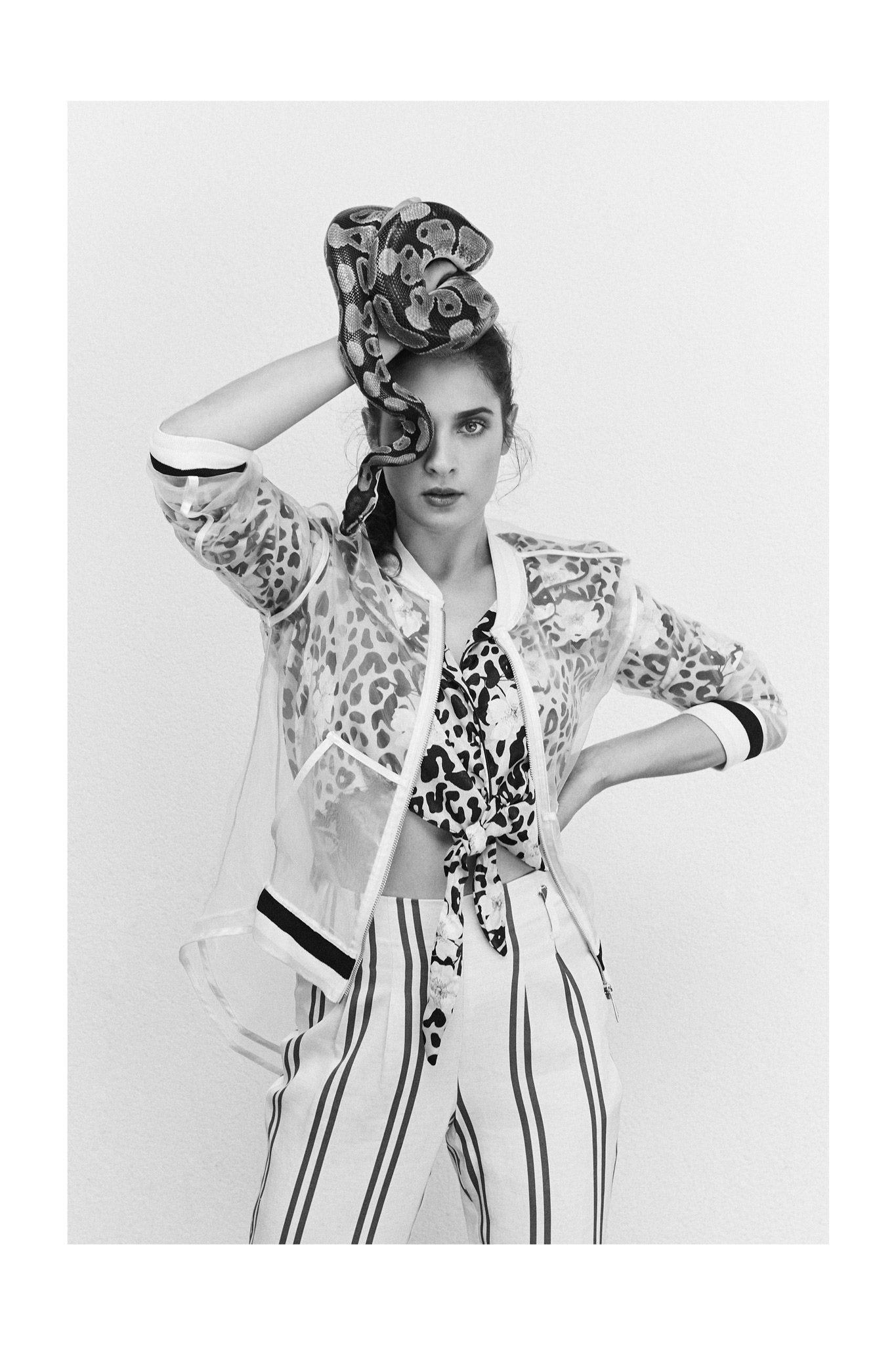 An unpublished B&W shot of amazing actress Saša Pavlin S for Story Magazine
